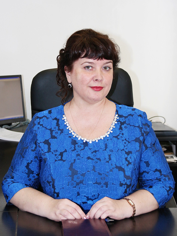 Заместитель генерального директора по управлению персоналом – Голубева Ирина Михайловна