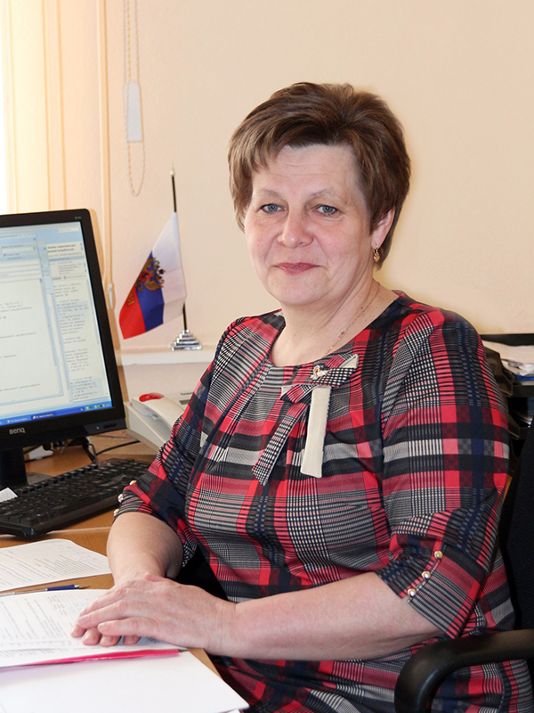 Заместитель генерального директора по сбытовой деятельности - Румянцева Лариса Михайловна